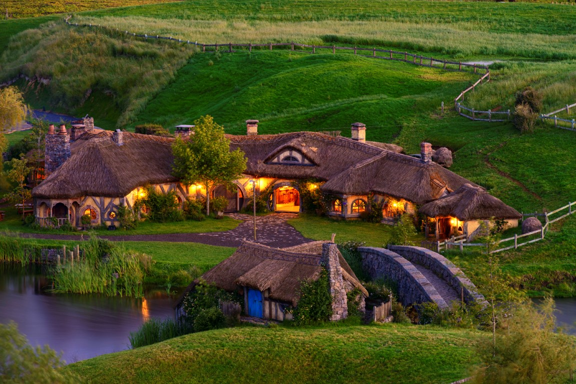 Hobbiton-Movie-Set-Farm-Medium